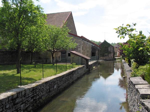 Aignay_ruisseau dans Ma Bourgogne En détails